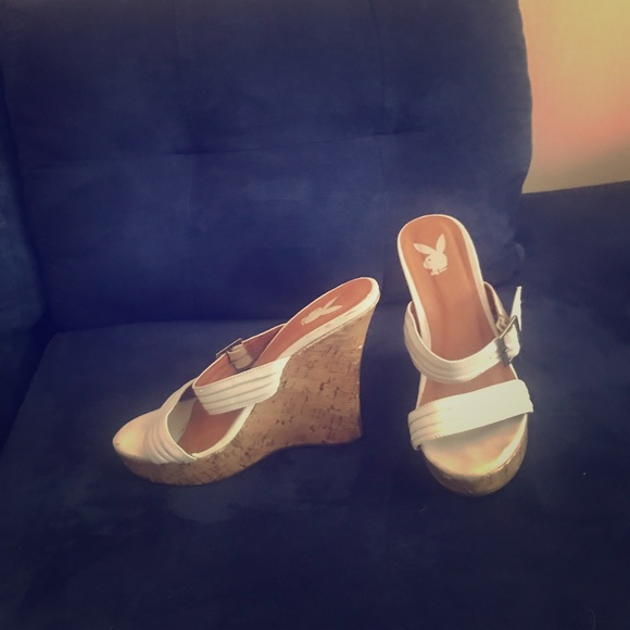 """White Wedge """"PlayBoy"""" sandals - size 8"""